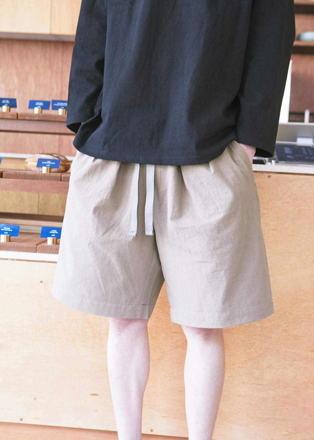 19SS BEIGE 2 TUCK WIDE SHORTS