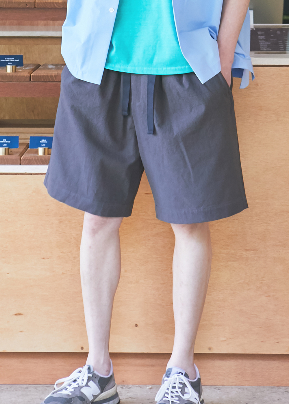 19SS CHARCOAL 2 TUCK WIDE SHORTS